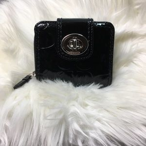 Coach turn lock patent leather woman's wallet